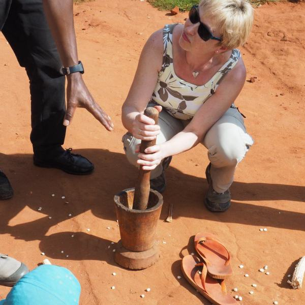 Die Bushkomba Gäste dürfen alles selbst ausprobieren